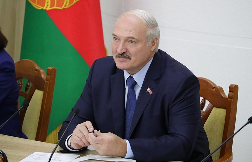 Лукашенко: Беларуси посчастливилось обрести свою независимость мирным путём