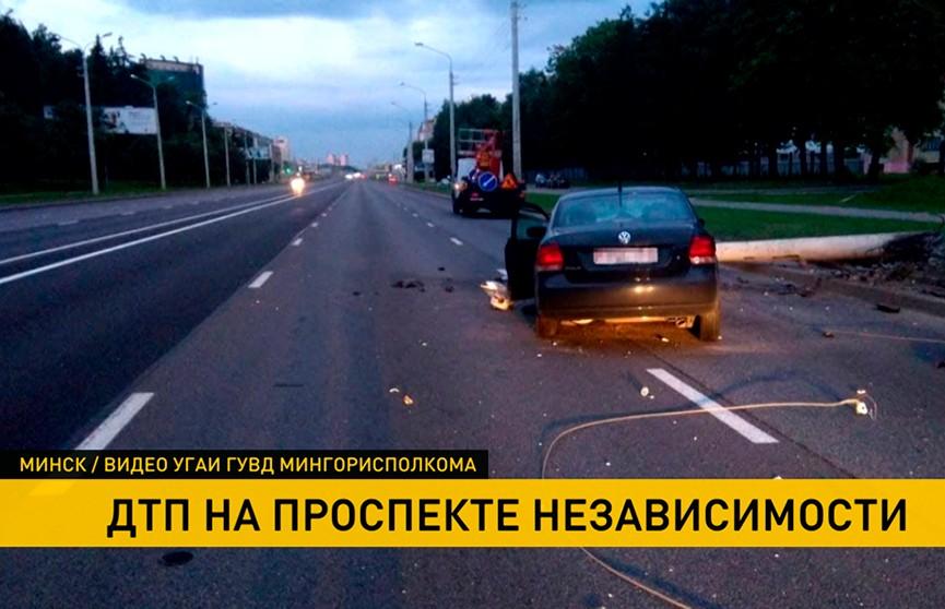 28-летний водитель врезался в световую мачту в Минске
