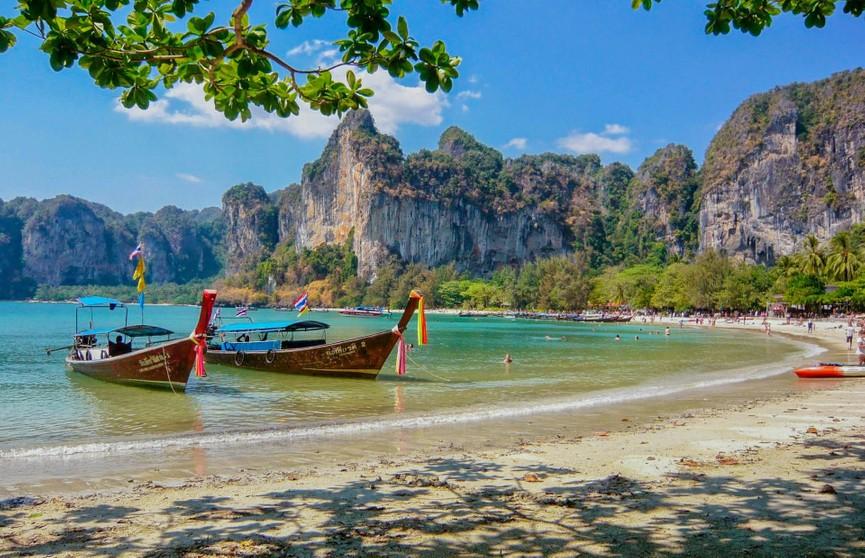 Таиланд постепенно возобновит туризм с октября