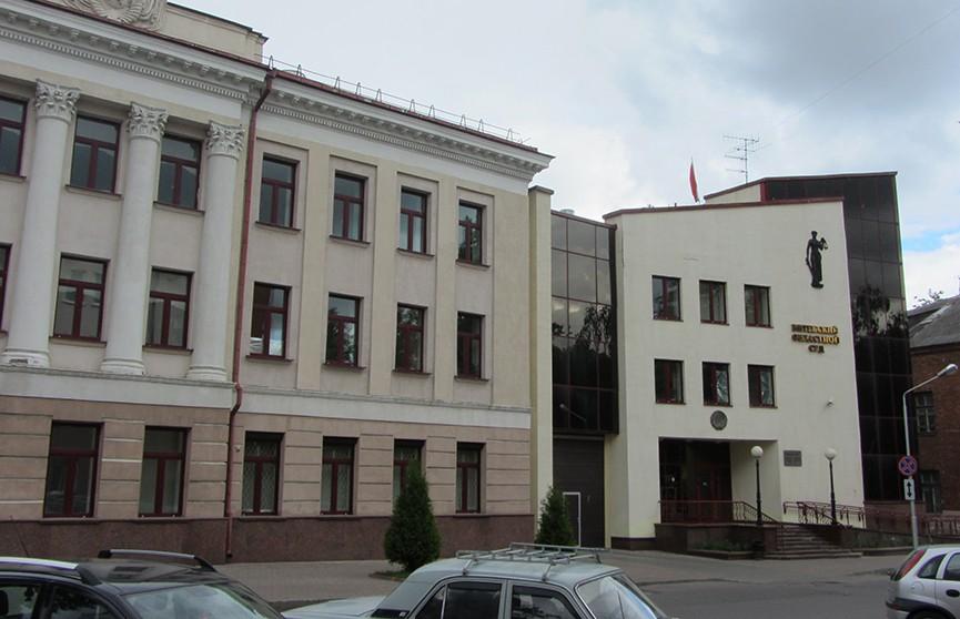 Житель Новополоцка приговорен к 15 годам колонии за жестокое убийство матери молотком