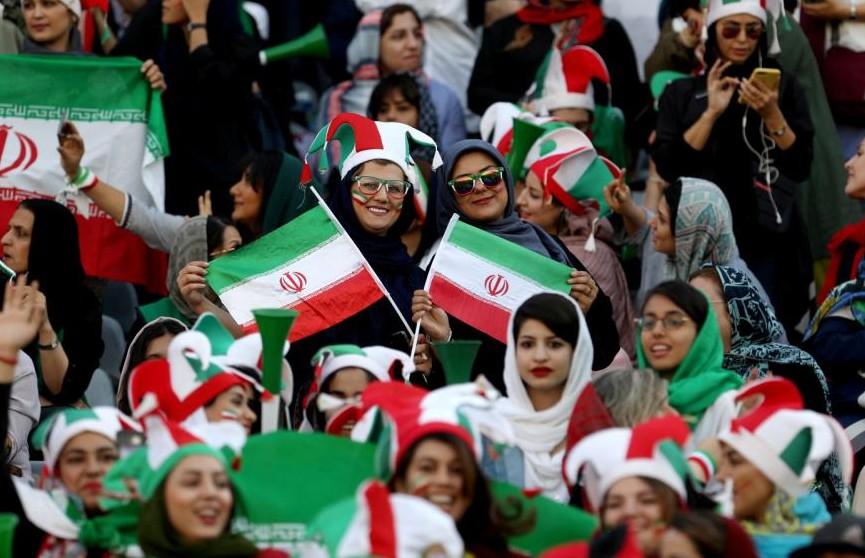 В Иране впервые за 40 лет женщин пустили на стадион