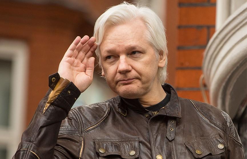 julian assange - 13 часов