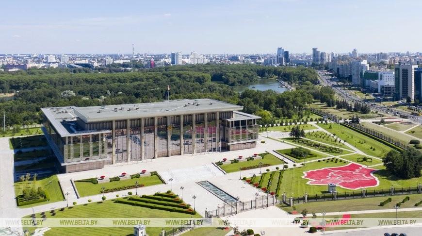 Лукашенко подписал Декрет, которым часть президентских функций передается правительству и местным властям