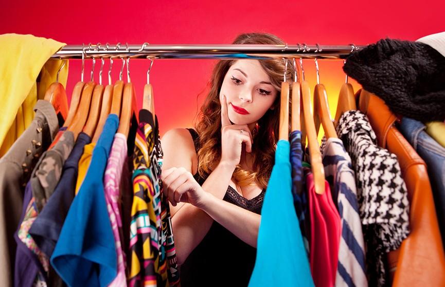 Как при помощи одежды женщине выглядеть моложе своих лет