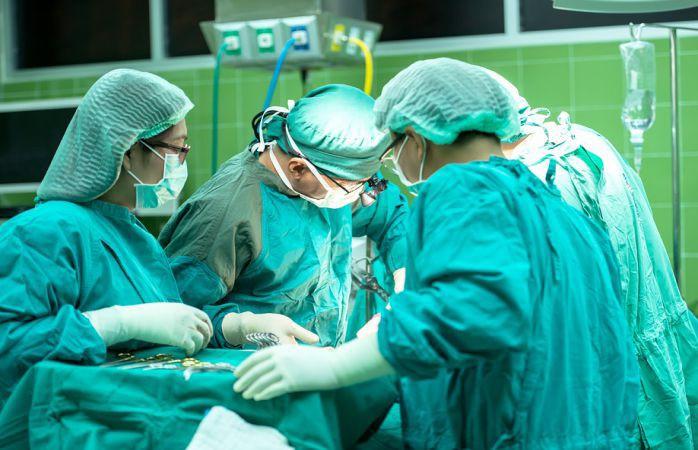 Китаец 30 лет прожил с 15-килограммовой опухолью на спине