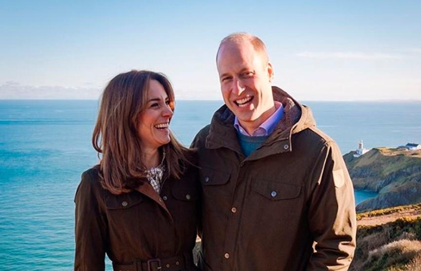 Кейт Миддлтон и принц Уильям поделились редкой фотографией своего дома в пасхальном послании