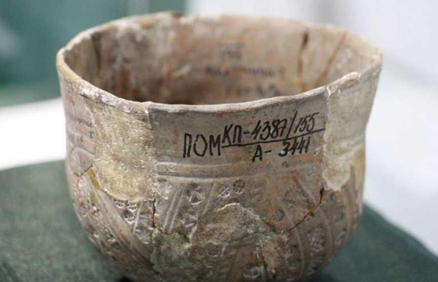 Уникальный экспонат для Беларуси: чаша из загробного мира выставлена в Музее Белорусского Полесья
