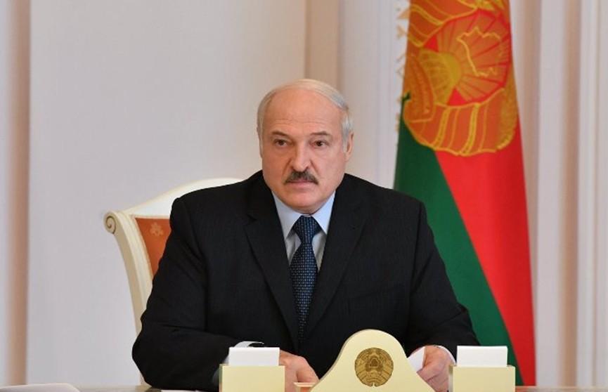 Лукашенко о важности проведения парада в День Победы: Они умирали ради нас