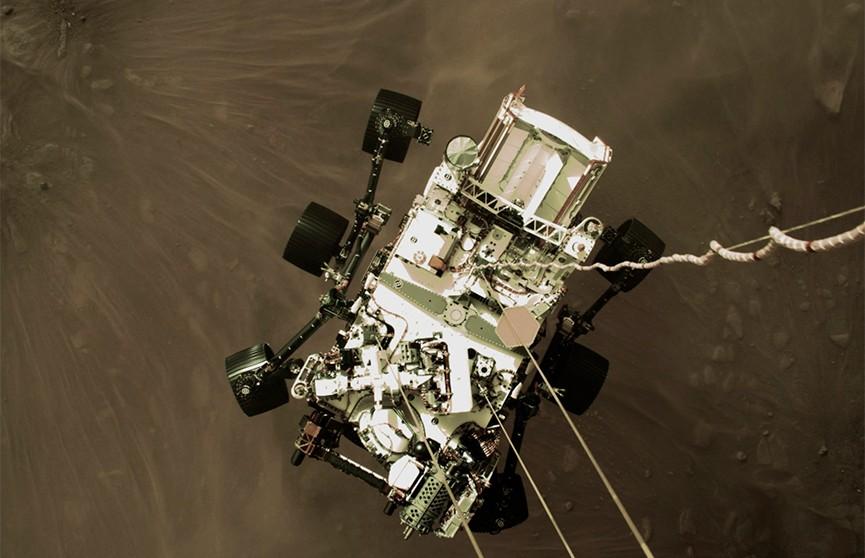 NASA опубликовало первое видео посадки ровера Perseverance на поверхность Марса
