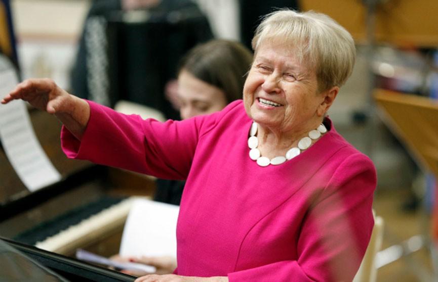 Музыка на века: легендарный композитор Александра Пахмутова празднует 90-летие