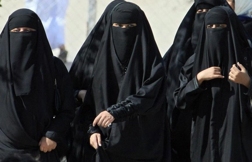 В Саудовской Аравии женщины смогут путешествовать самостоятельно
