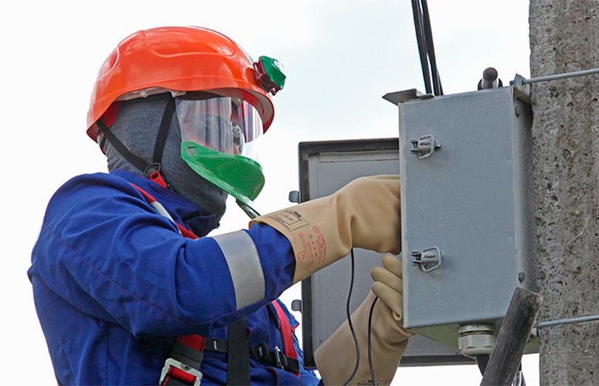 Последствия непогоды: перебои с электричеством возникли в 330 населенных пунктах Беларуси