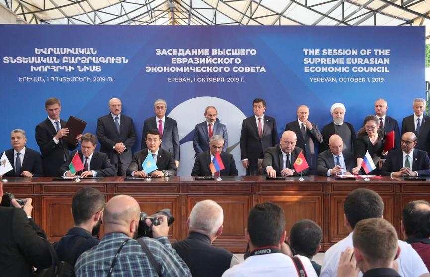 Откуда всё новые барьеры на пути Евразийской интеграции? Беларусь настаивает, что пришло время политических решений! Итоги саммита ЕАЭС в Ереване
