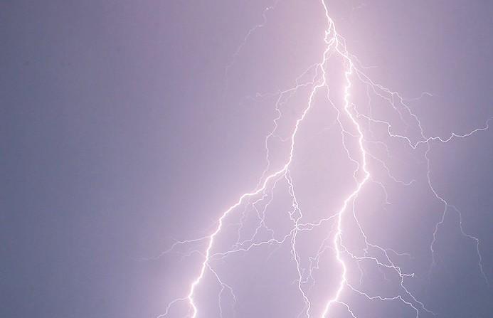 Линии электропередачи из-за грозы вышли из строя в Столинском районе