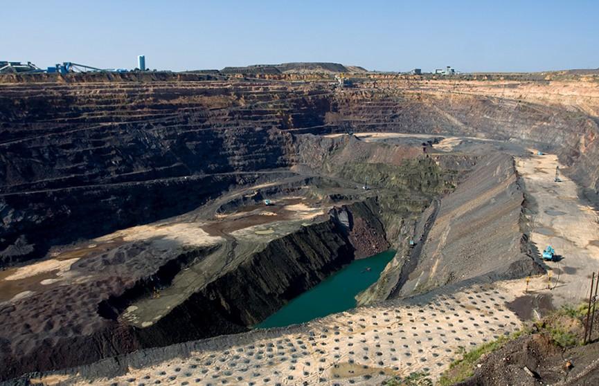 В Ботсване обнаружили один из самых крупных алмазов в мире. Его вес составляет более 1000 карат