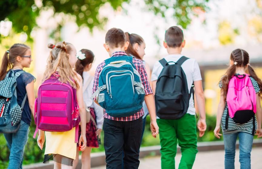 Чтобы спина была здоровой: каким должен быть рюкзак школьника? Советы педиатра