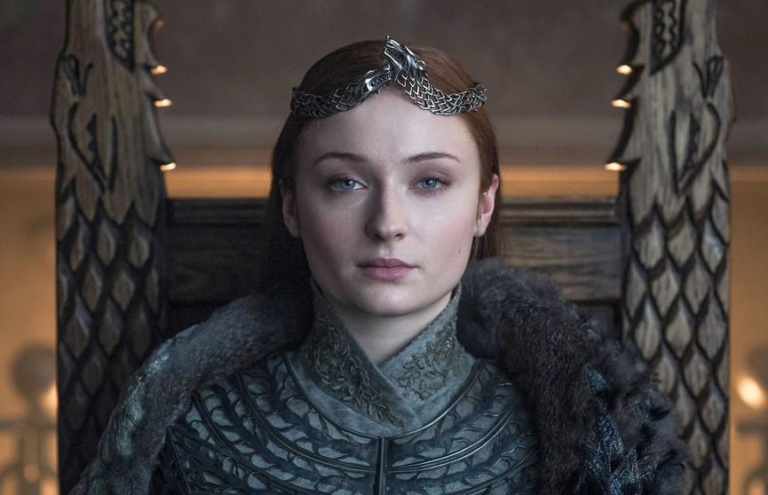 Софи Тернер хранит у себя дома трон Сансы Старк