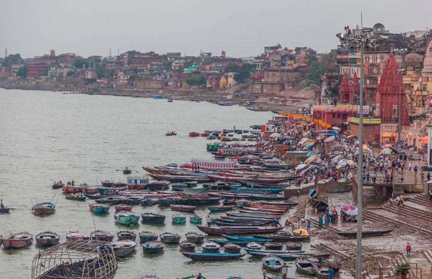 Фокусник пропал в реке Ганг во время исполнения сложного трюка