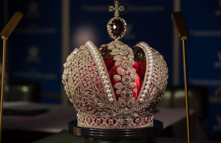 Два килограмма золота и бриллиантов: копию короны Российской империи привезут на «Славянский базар в Витебске»