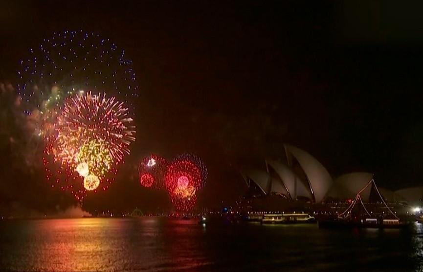 Сидней встретил Новый год традиционным салютом