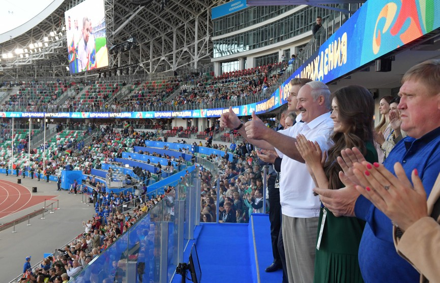 Лукашенко приехал на стадион «Динамо» поддержать белорусских легкоатлетов