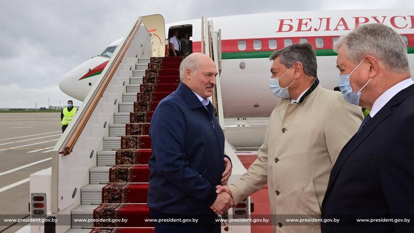 Александр Лукашенко прибыл на переговоры в Москву