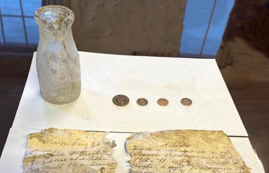 Реставраторы обнаружили тайник с монетами в старинной мельнице в США