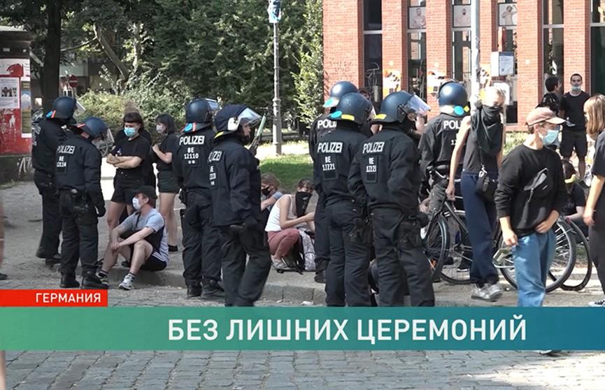 Акции протеста Германии: люди требуют отменить ограничения, введённые из-за COVID-19