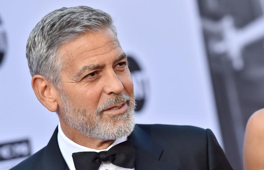 Джордж Клуни 25 лет стригся сам