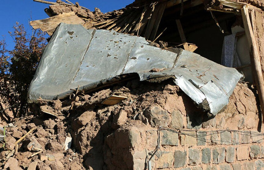 Более 30 человек пострадали при землетрясении в Иране