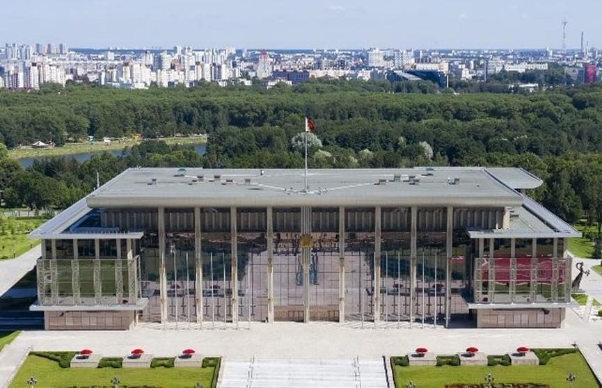 Владимир Караник награжден орденом Отечества ІІІ степени, Дмитрий Пиневич – орденом Почета