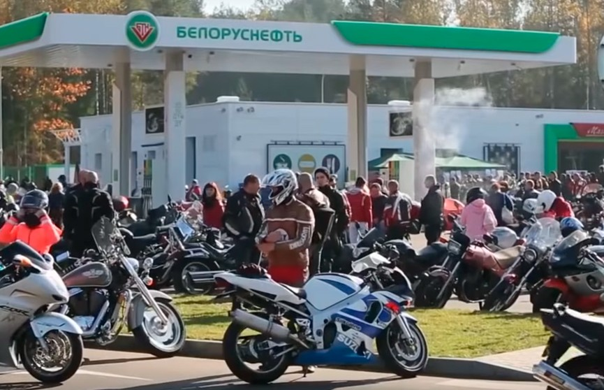 Вот это популярность! АЗС «Белоруснефть» превратилась в любимое место отдыха не только автолюбителей