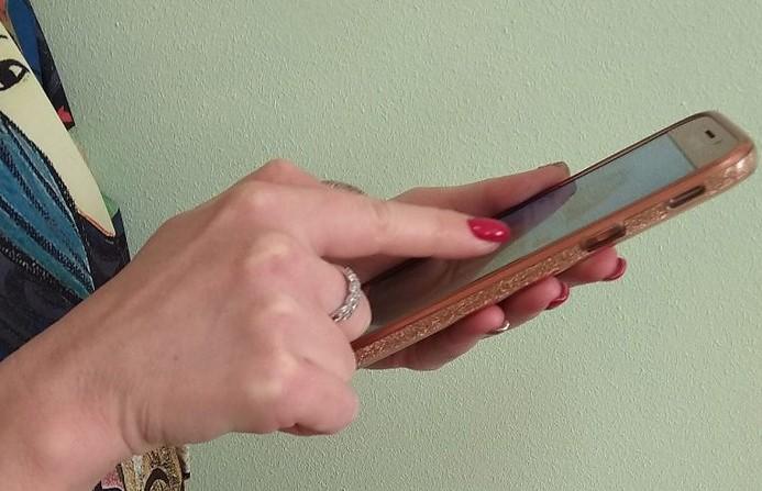 Мошенники оформили на женщину кредит и списали с ее карты более Br500