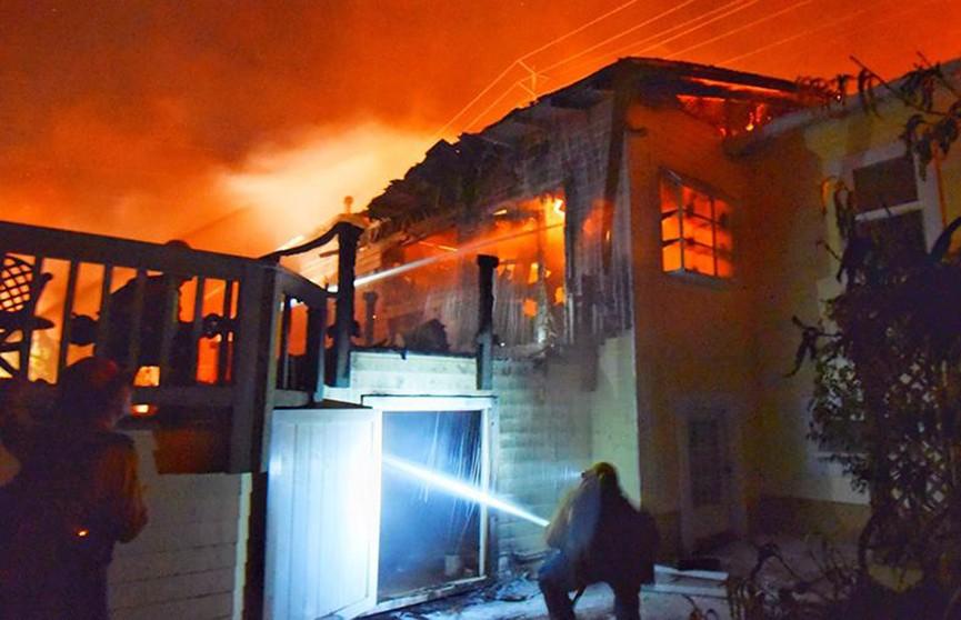 Из-за лесного пожара власти Калифорнии эвакуировали более 3000 человек