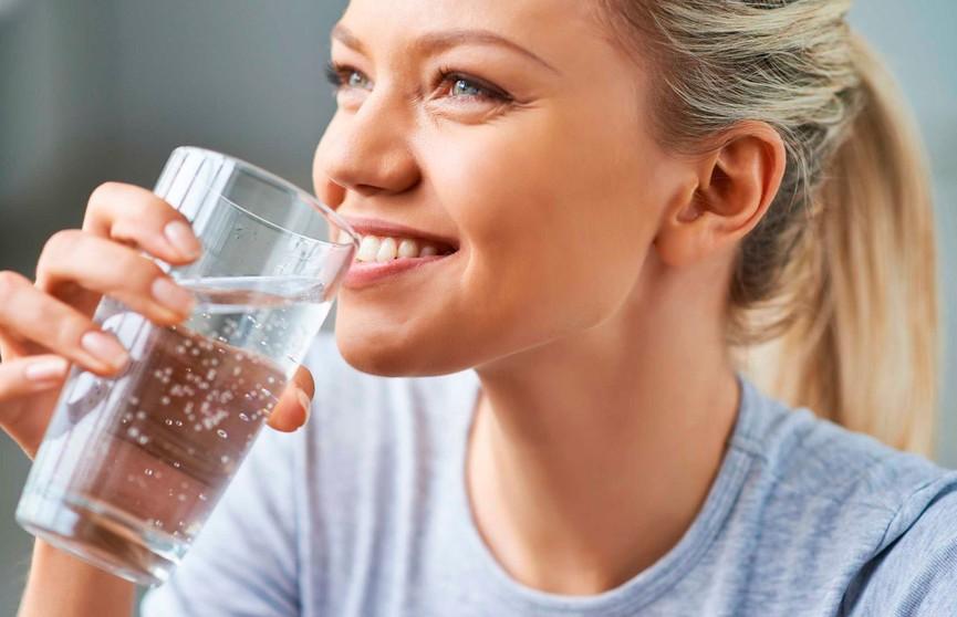 Сколько воды нужно выпивать в день? Простая формула расчета