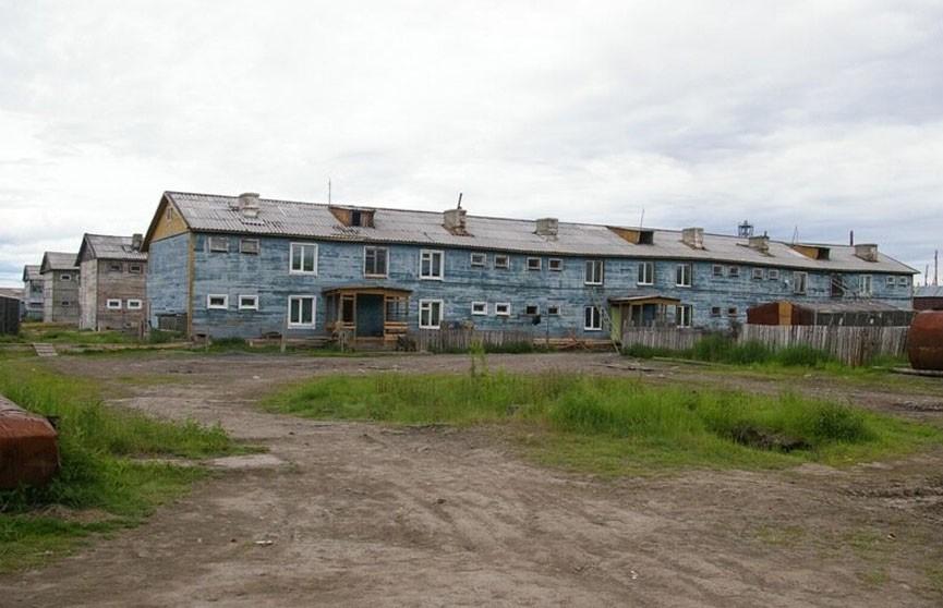 Жилой дом накренился из-за аномальной жары на Камчатке