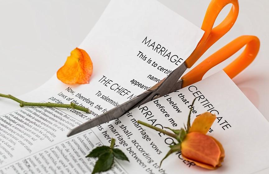 Парень развелся с женой и вот что он сделал, чтобы не вспоминать о ней. Почитайте, все в восторге!