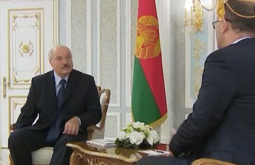 Александр Лукашенко встретился с генеральным секретарём FIBA