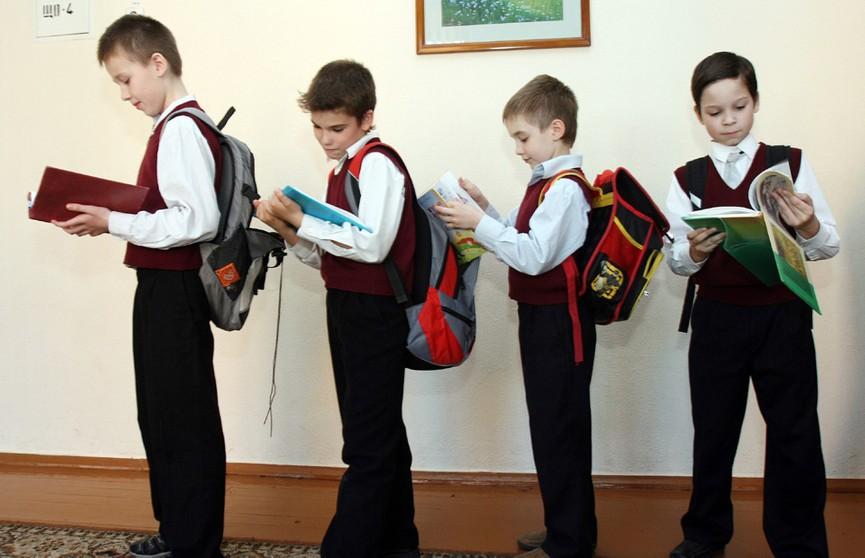Лукашенко раскритиковал предложения Минобразования по обеспечению безопасности в школах