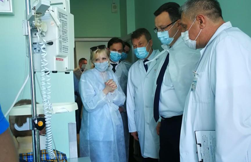 Подробности состояния 12-летнего Ромы Когодовского, который спас из пожара младшего брата: мальчик перенес 23 операции, предстоят недели тренировок