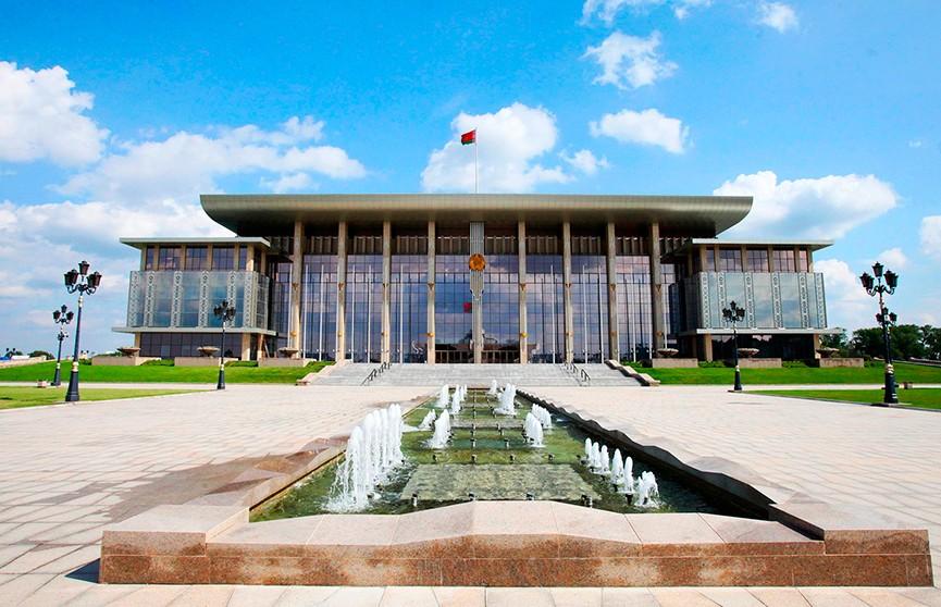 Лукашенко поздравил юниорскую сборную по биатлону с достойным выступлением на домашнем чемпионате мира