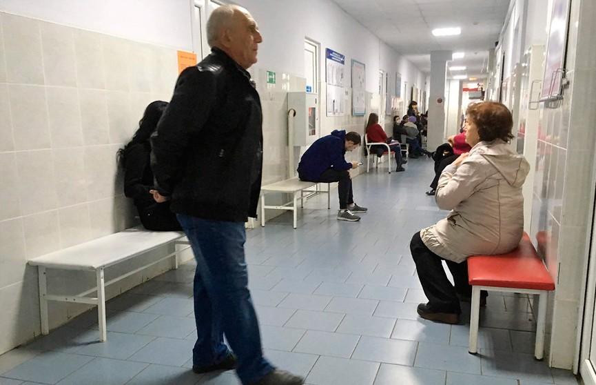 Глава Минздрава рассказал, как уменьшить очереди в поликлиниках