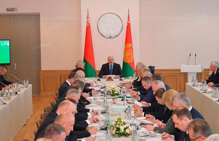 Лукашенко проводит в Витебске совещание по развитию АПК области