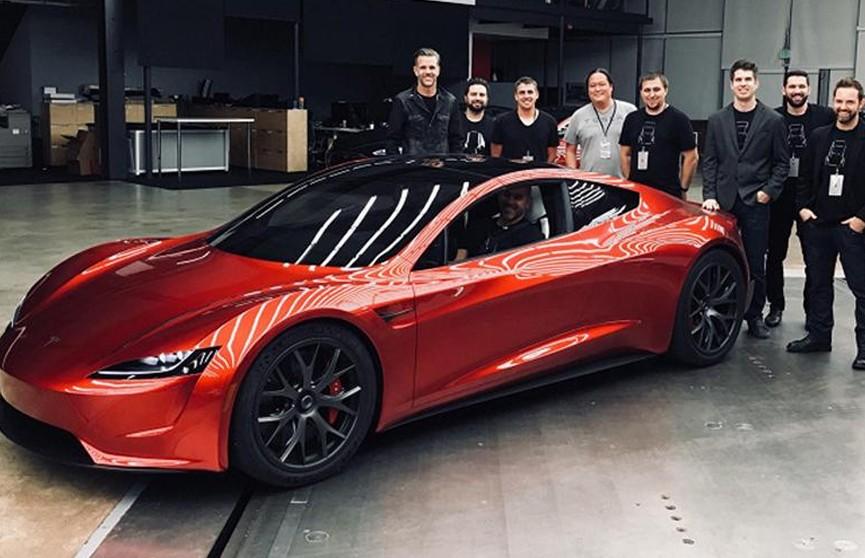 Новый спорткар Tesla Roadster появится в 2022 году
