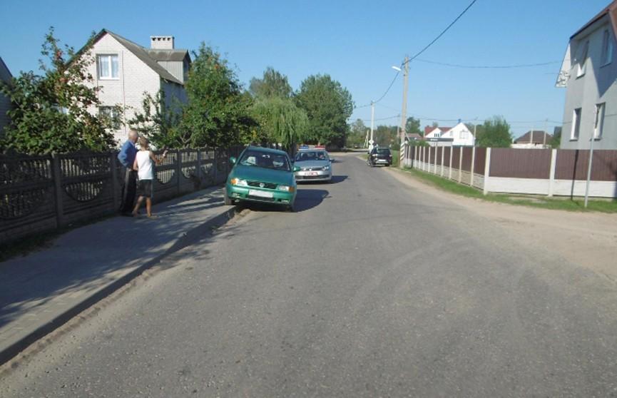 ДТП в Марьиной Горке: водитель сбил мать с ребёнком на тротуаре