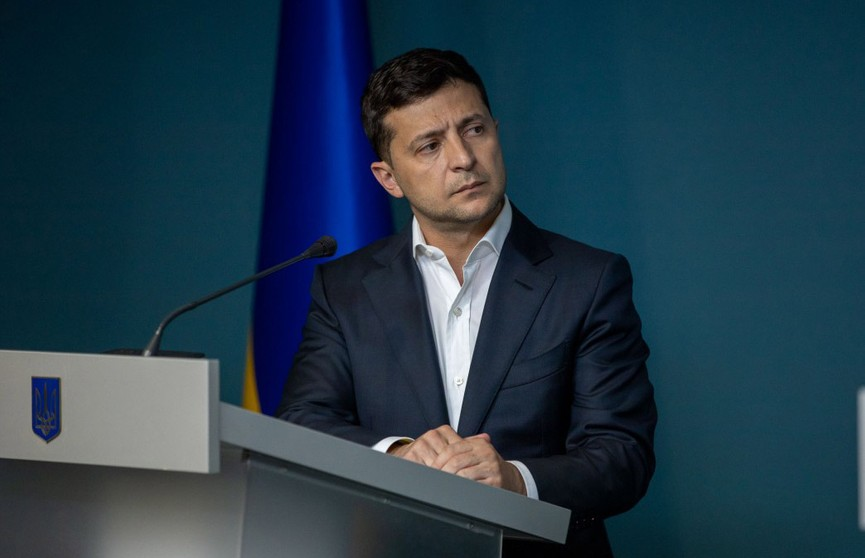 Закон об импичменте президента подписал Зеленский