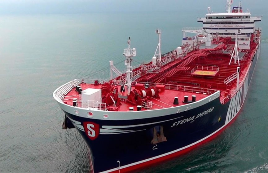 Иранские военные задержали британский танкер в Ормузском проливе