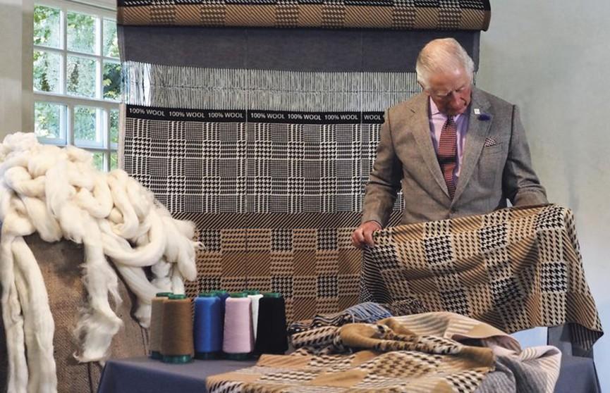 Принц Чарльз выпустил шерстяной шарф. Серия ограничена