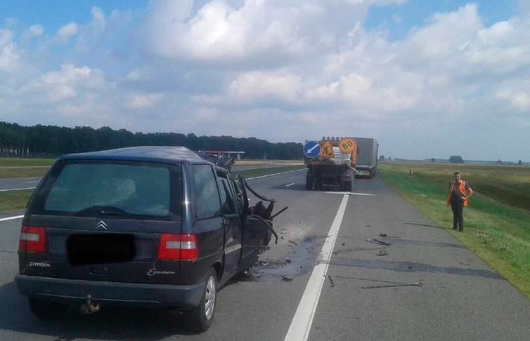 ДТП в Березовском районе: водитель легковушки погибла при столкновении с грузовиком