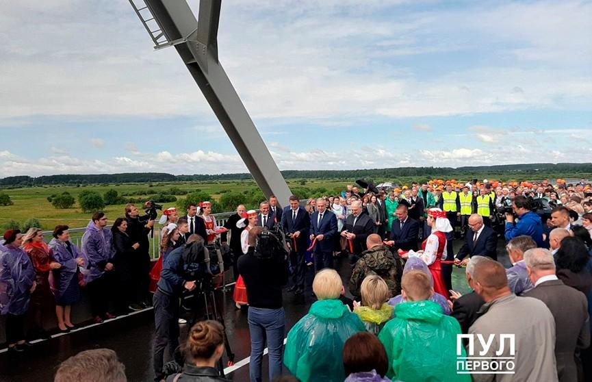 Президент открыл мост через реку Сож в Славгородском районе